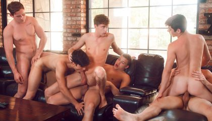 Splash - Helix Studios Wild Wet Gang Bang